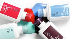 An essie mani that lasts 2 weeks? Sign us up!
