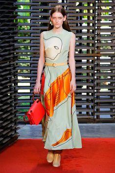 Roksanda Spring 2019 Ready-to-Wear Fashion Show Collection: See the complete Roksanda Spring 2019 Ready-to-Wear collection. Look 22 Fashion Week, Runway Fashion, High Fashion, Fashion Outfits, Womens Fashion, Fashion Tips, Fashion Trends, Fashion 2018, Style Haute Couture