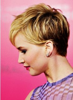 22 Trendy Pixie Haircuts for Short Hair The short pixie haircut is surely to become an eternal choice for women hairstyles. As we all know, the short hair can make you look much younger than. Popular Short Hairstyles, Short Pixie Haircuts, Short Bob Hairstyles, Pretty Hairstyles, Popular Haircuts, Layered Hairstyles, Easy Hairstyles, Blonde Hairstyles, Trending Hairstyles