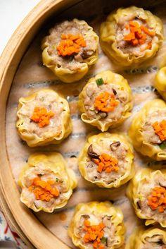 Shumai (燒賣) are steamed pork dumplings that are perennial favorites at dim sum. In this step-by-step shumai recipe, I show you how to prepare and wrap shumai Cantonese Shumai (Siu Mai) Orang Utan Klaus OrangUtanKlausi Bite my lip! Shumai (燒 Steamed Pork Dumplings, Chinese Dumplings, Pork Recipes, Asian Recipes, Cooking Recipes, Dumpling Recipe, Simply Recipes, Asian Cooking, Appetizer Recipes