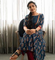 Blouse Patterns, Blouse Designs, Kurtha Designs, Vidya Balan Hot, Most Beautiful Indian Actress, Indian Beauty Saree, Hottest Models, Indian Girls, Indian Actresses