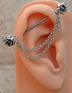 Rose Industrial Barbell Rose Center Body Jewelry Ear Jewelry Double Piercing With Chains Rose Industrial Barbell Rose Center Körperschmuck Ohrschmuck Doppel Piercing Mit Ketten Industrial Piercing Jewelry, Industrial Piercing Barbells, Industrial Barbell, Industrial Piercing Infected, Industrial Bar Earring, Body Jewelry Piercing, Body Piercing, Diy Schmuck, Schmuck Design