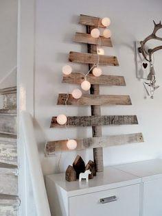 Christmas Decor | Gli alberi di Natale in versione creativa: un idea originale creata con lastre di legno