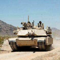 Abraams main battle tank of US Army Military Weapons, Military Life, Military History, M1 Abrams, Us Armor, Tank You, Armored Fighting Vehicle, Military Modelling, Battle Tank