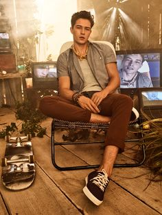 Top model Francisco Lachowski reunites with Colcci for its Spring/Summer 2018 advertising campaign. Shot by fashion photographer Giampaolo Sgura, Francisco Francisco Lachowski, Outfits Hombre, Photography Poses For Men, Brazilian Models, Men Style Tips, Attractive Men, Male Beauty, Korean Actors, Cute Guys