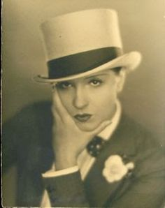 Woman dressed in a masculine way, representation of mannish dress by women in the early century, c. 1930 Woman dressed in a masculine way, representation of mannish dress by women in the early century, c. Harlem Renaissance, Vintage Lesbian, John Gilbert, Pin Up, Beautiful People, Beautiful Women, Drag King, Gender Bender, Thing 1