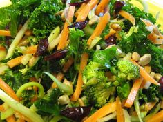 Crunchy Kale Power Salad- nutrient dense lunch filled with broccoli, carrots, goji berries, and sunflower seeds.