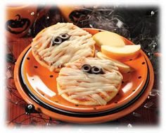 halloween food - lots of cute ideas, many that aren't sweets! definitely a plus.