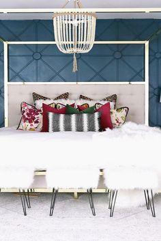 18 Genius Dorm Room Decorating Ideas on A Budget - Kennys Landscaping Fancy Bedroom, Simple Bedroom Decor, Modern Master Bedroom, Pretty Bedroom, Stylish Bedroom, Farmhouse Bedroom Decor, Artistic Bedroom, Bedroom Ideas, Budget Bedroom