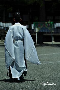 Japanese Shintou Priest by MeAmore5, via Flickr