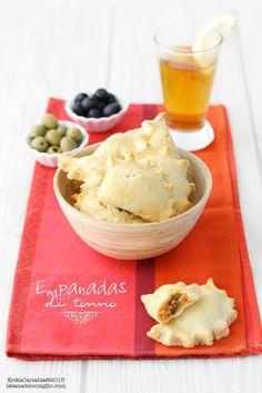 Le Empanadas sono una ricetta tipica dell'America Latina, anche se in realtà l'origine è spagnola. Hanno una simpaticissima forma a...