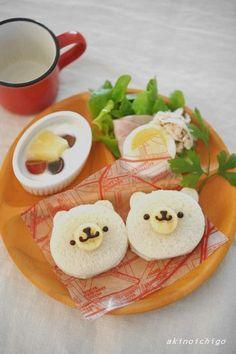 くまちゃんのモーニングプレート♡ Bear bread face in bento? Kawaii Bento, Cute Bento, Japanese Sweets, Japanese Food, Toddler Meals, Kids Meals, Cute Food, Yummy Food, Food Collage