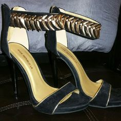 New black and gold heels Sz6 Adorable black and gold heels. Suede material. Not faded just bad lighting. Prefect for a night out. On M3Rc@R! 4less Shoes Heels