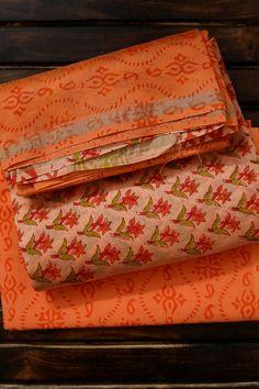 Simple Kurta Designs, Kurta Designs Women, Gown Dress Party Wear, Fancy Dress Material, Saree Wearing Styles, Bandhani Dress, Floral Print Sarees, Best Casual Dresses, Formal Saree