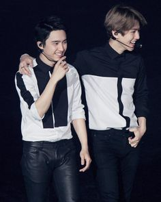 Kyungsoo and Baekhyun Exo Ot12, Chanbaek, Laura Lee, Luhan, Exo Couple, Exo Luxion, Kim Minseok, Exo Korean, Exo Do