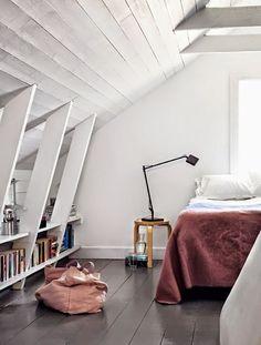 Chambres sous combles avec poutres blanchies
