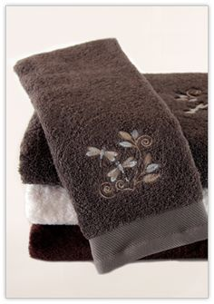 "100% Bamboo Embroidered Towels ""Dragonfly"""