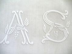 Articles vendus > Monogrammes, dentelles ... - Passion de Blanc - Broderie ancienne - Antique & Vintage French linen