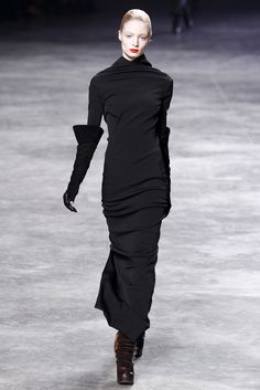 Rick Owens Fall 2011 Ready-to-Wear Collection Photos - Vogue