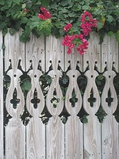 Pretty Old Houses: Picket Fences of Key West