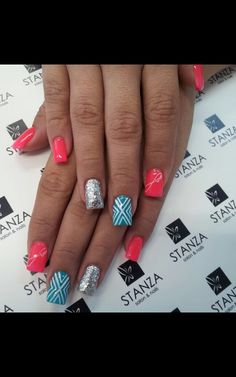 #stanzasalon #nailart #gelish #love