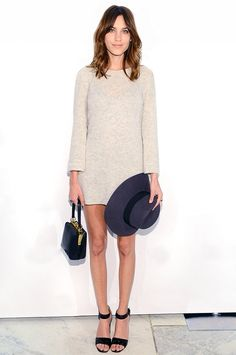 Style icon: Alexa Chung - Strike a casual-meets-dressy balance for evening events. Vestido Calvin Klein, Calvin Klein Dress, Alexa Chung Style, Fashion Gone Rouge, Evening Outfits, Look Chic, Mode Style, Get Dressed, What To Wear