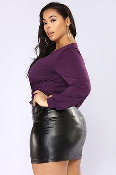 Fashion Nova Plus Size, Plus Size Womens Clothing, Plus Size Outfits, Size Clothing, Vynil, Black Leather Mini Skirt, Triathlon Clothing, Curvy Models, Women's Evening Dresses