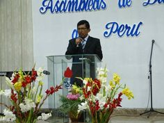 El pastor e Intendente Juan Facundo predicando el día de nuestro 94 aniversario