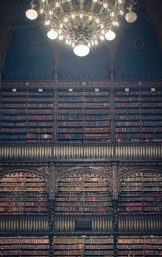 Real Gabinete de Literatura Portuguesa!! Um dos lugares mais lindos que já vi!!