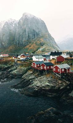 Today's picture comes from Garrett K. The tiny fishing village of Hamnoy in Norway is any travel photographer's dream with small picturesque houses set along the craggy seaside landscape. Europe Destinations, Norway House, Red Houses, Small Houses, Small Towns, Landscape Photography Tips, Scenic Photography, Contemporary Photography, Night Photography