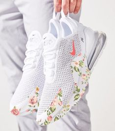 Please allow up to 3 weeks to receive your order. This can be changed at any time without prior notice due to high. Nike Air Shoes, Nike Tennis Shoes, Adidas Shoes Women, Cute Sneakers, Cute Addidas Shoes, Summer Sneakers, Tennis Shoes Outfit, Casual Summer Outfits, Outfit Summer