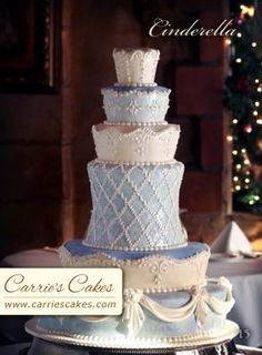 Art Blue and White Cinderella Wedding Cake i-want-to-be-a-wedding-planner Round Wedding Cakes, Fall Wedding Cakes, Wedding Cupcakes, Wedding Ideas, Diy Wedding, Wedding Stuff, Wedding Flowers, Cinderella Theme, Cinderella Wedding