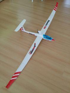 Drone Model, Rc Model, Remote Control Toys, Radio Control, Vw Bus, Auto Union 1000, Wiking Autos, Rc Glider, Cardboard Car