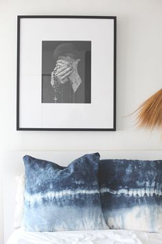 When most people choose the dark pop of color for their home decor, they go with black. Black is chic and classic and can be incorporated into so many decor styles. But it can seem too inky for some people's preference. So they might try to opt for navy. But even such a rich blue can...You're reading 14 DIYs To Bring Indigo Into Your Home , originally posted on Homedit. If you enjoyed this post, be sure to follow Homedit on Twitter, Facebook and Pinterest. :: Home Decor