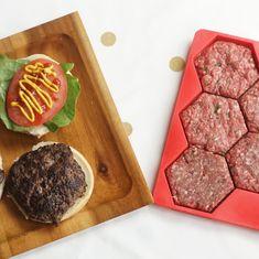 Frozen Burger Patties, Homemade Burger Patties, Making Burger Patties, Burger Mix, Burger Press, Hamburgers, Amazing Burger, Freezer Containers, Hamburger