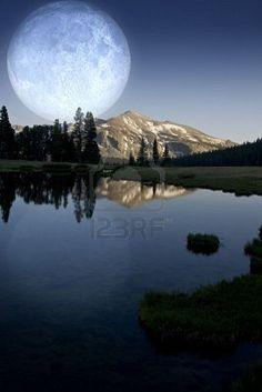 Lunar light..gorgeous.