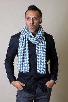 d2d5089a9b5 Anika Dali Men s Classic Blue and White Print Houndstooth Scarf