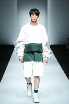 Feng Chen Wang Spring/Summer 2016 - Shanghai Fashion Week   Male Fashion Trends