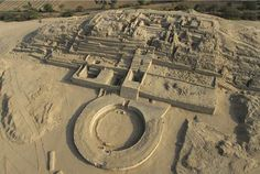 Caral - Peru. The oldest civilization in America. Land of the first Pyramids.