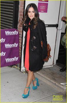 Rachel is wearing a Vanessa Bruno dress, a Burberry coat, and ShoeMint heels.