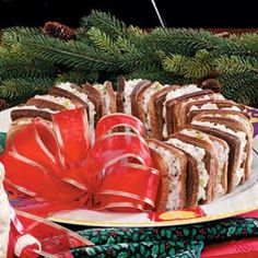 Holiday Sandwich Wreath Recipe. Perfect Sandwich Platter Idea! :)