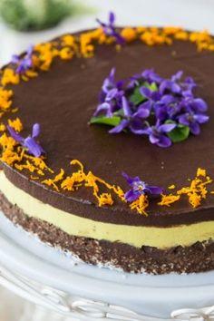 tort raw cu ciocolata si portocale Sweets Recipes, Vegan Recipes, Desserts, Raw Vegan, Vegan Food, Gluten, Keto, Yummy Food, Cooking