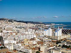 Vue d'Alger depuis la cité Diar El Mahçoul.
