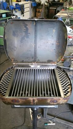 rat-grill – Back yard grill Diy Grill, Grilling, Rim Fire Pit, Fire Pit Grill, Oil Drum Bbq, Diy Wood Stove, Custom Bbq Pits, Backyard Covered Patios, Garage Workshop