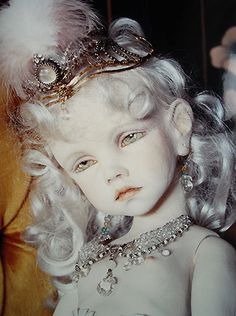 Koitsukihime Doll : Alice (1983). Photograph : Sakichi Kataoka. / Mariacuore photocard