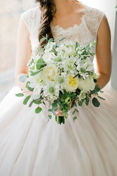 Classic white bridal bouquet | Ivy & Stone Photography | see more on: http://burnettsboards.com/2014/04/classically-romantic-wedding/
