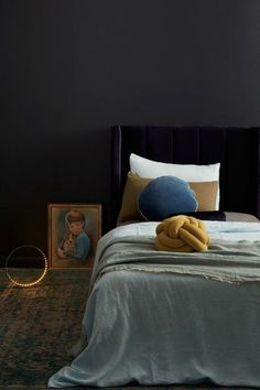 Dramatic shades | Velvet bedroom decor | navy bedroom | Update your bedroom with velvet headboards, cushions, curtains from Bemz | Update your IKEA furniture with Bemz covers