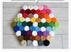 まるでマカロンのように可愛く編み上がる「コイル編み」太めの毛糸ならもこもこフワフワのおざぶやマットになります。編み方もコツを覚えれば意外と簡単!暖かで可愛いグッズ作りましょう♪ Japanese Nail Art, Small Sewing Projects, Crochet Pillow, Beautiful Crochet, Crochet Patterns, Crochet Tutorials, Hand Embroidery, Tatting, Diy And Crafts