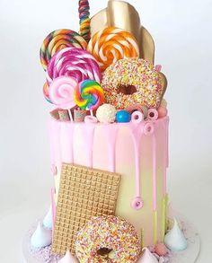 Wedding cake#weddingcake #perthcakes #cakesofperth #cakesperth #perthwedding #perthweddings #perthbride #perthfood #perthdesserts #perthsweets #my_petite_sweets_perth #vintagebride #sweetmagazine #hooraymag #theperthcollective #perthpop #perthisok #instacake #cakeporn #cakeporn #theknot#modernwedding#strictlyweddings