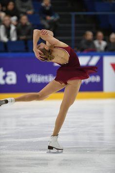 Carolina KOSTNER - ajtl.pictures.fi Ice Skating, Figure Skating, Best Roller Skates, Carolina Kostner, Ice Princess, Sports Figures, Eye Candy, Champion, Running